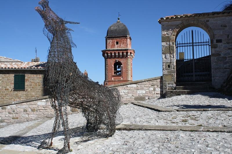 Ingresso al castello di frontone for Castello di frontone